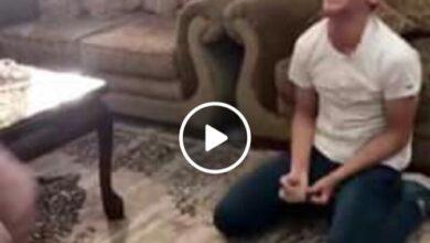 صورة شاهد الطالب كريم لحظة تلقيه نتيجة التوجيهي – كريم فلاح عودة معدل 93٪ الفرع العلمي